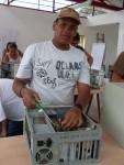 Jorge desmontando um PC AT